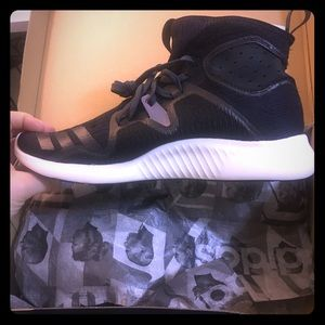 Adidas Edgebounce unisex sneakers - women size 9.5
